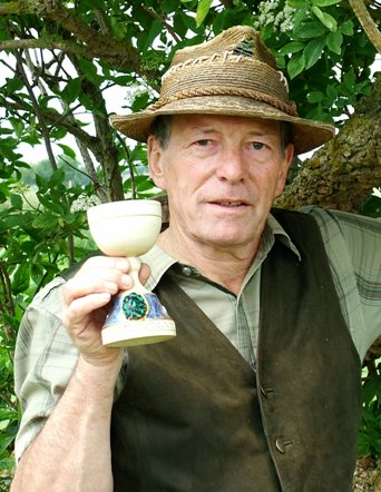 Stuart King with the Time Team Goblet